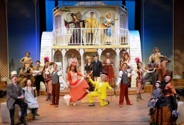 SHOW BOAT 1