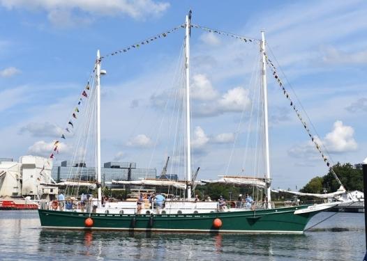 harbor fest boat